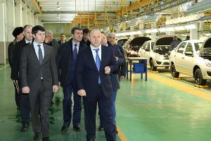 В Чечне провели презентацию сборки Lada Granta
