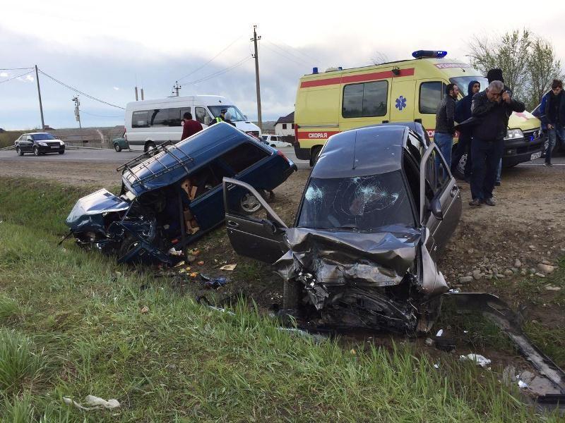 Авария произошла в кочубеевском районе близ села казьминское
