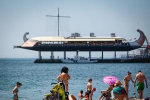 Крым планирует принять в 2016 году свыше 6 млн туристов