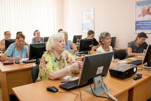 """""""Кубань Кредит"""" открыл второй класс компьютерной грамотности для пенсионеров и получил """"PRяник года"""""""