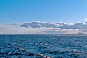 Абдулатипов предлагает провести форум об освоении нефтегазовых запасов в Каспийском море