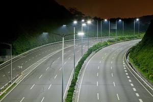 Улицы Феодосии будут освещать до двух часов ночи