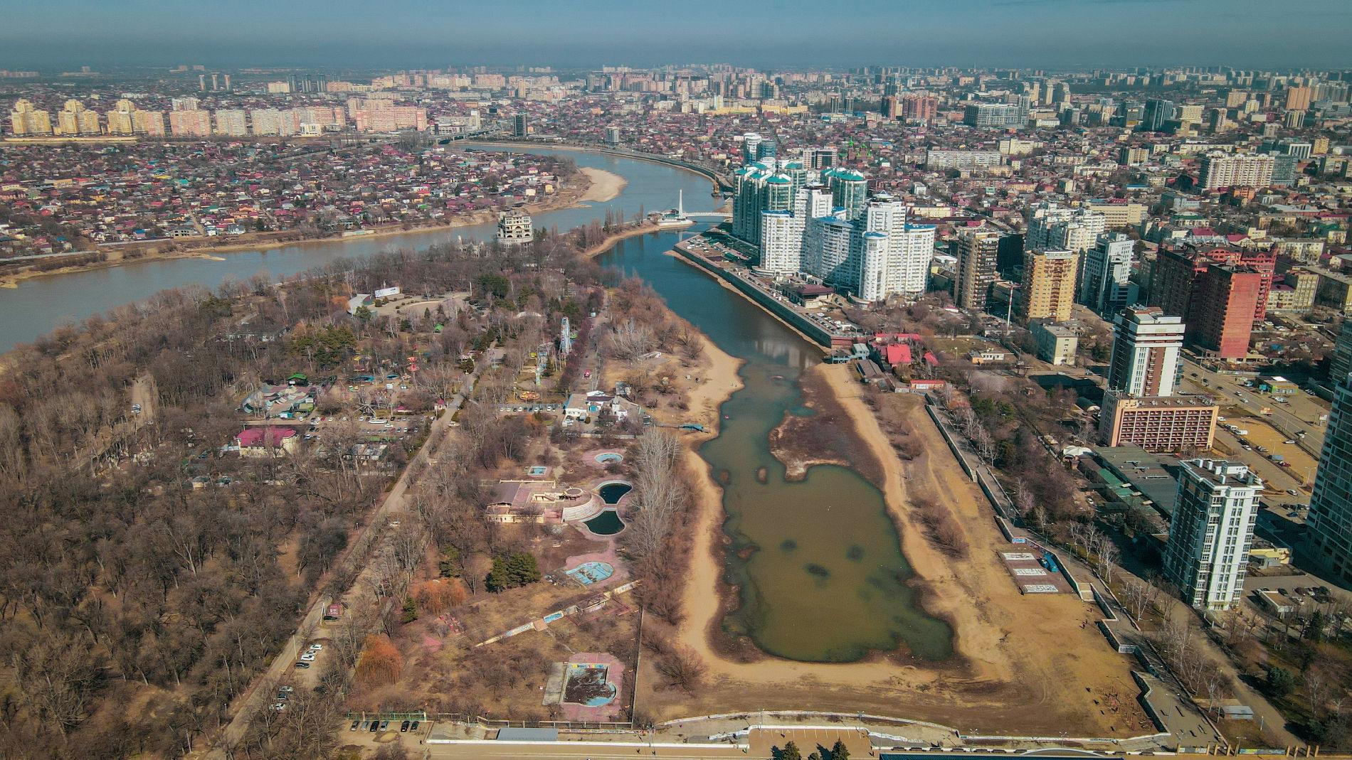 Затон и парк 30-летия победы в Краснодаре ©Фото предоставлено порталу Юга.ру Евгением Геруновым