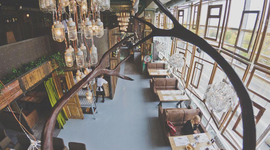 Ресторан в краснодаре лежат книги фото