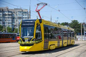 Новый трамвай «Метелица» презентовали в Краснодаре ©Фото Елены Синеок, Юга.ру