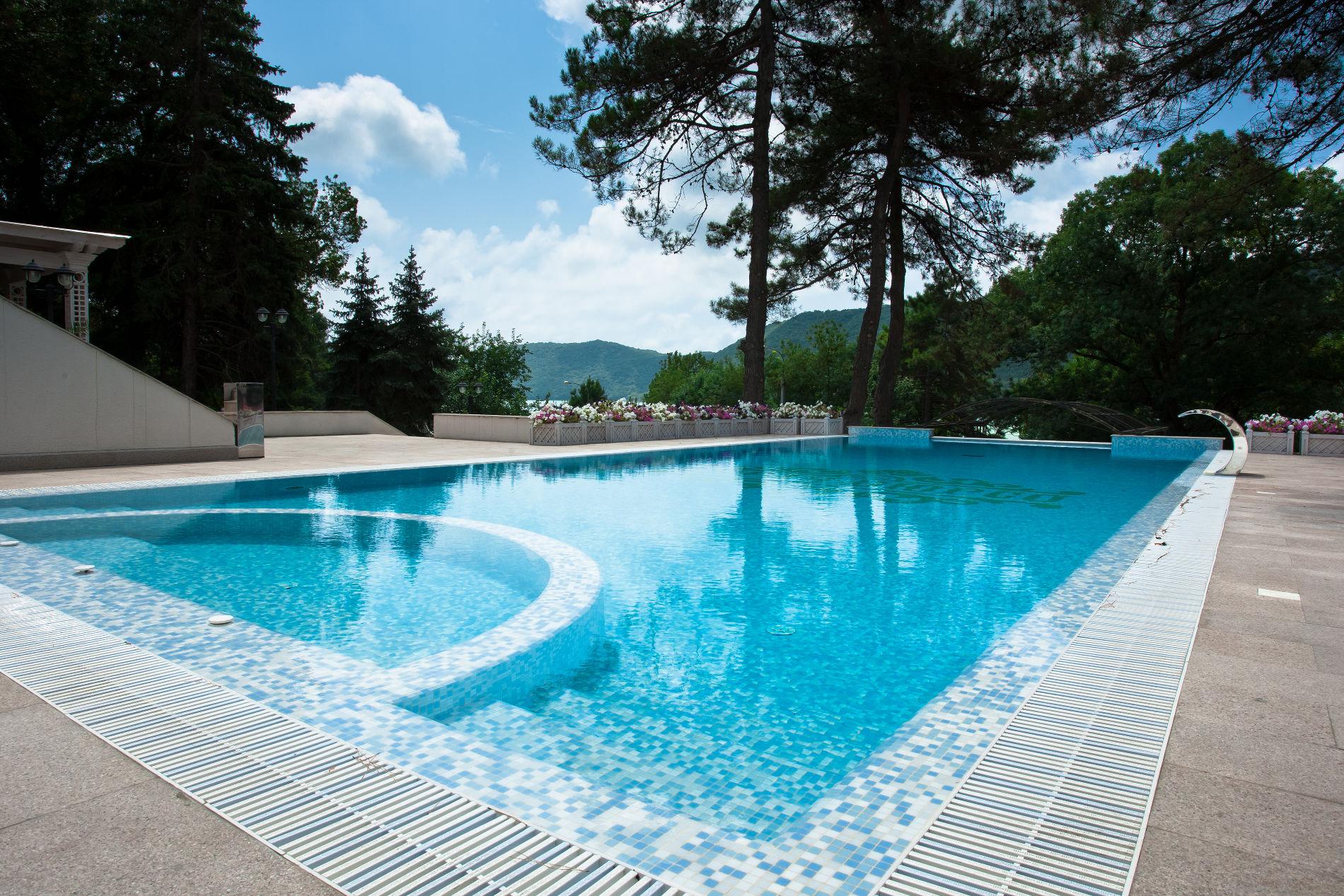 Индивидуальный проект бассейна в отеле «Империал», поселок Абрау-Дюрсо