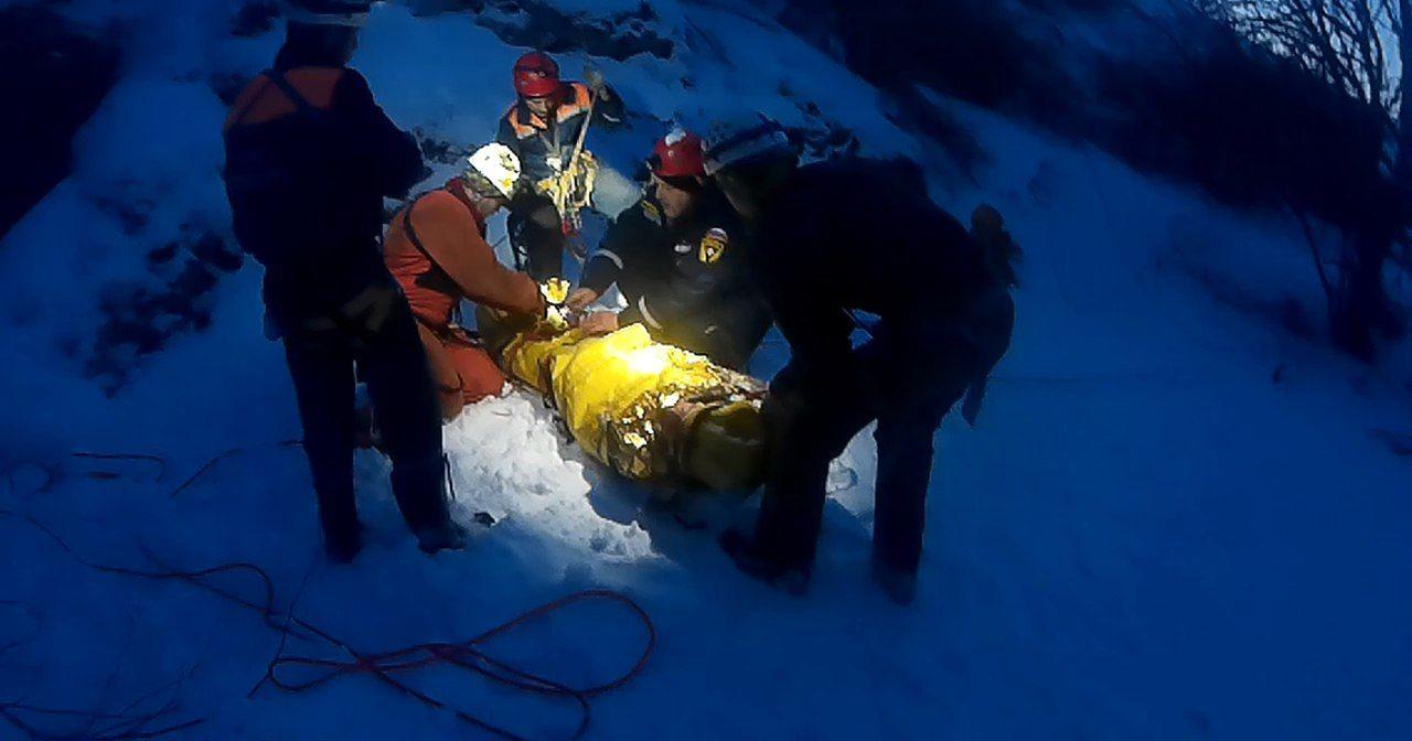 Турист упал впещеру глубиной 15 метров вгорах Крыма