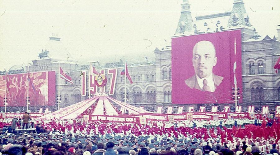 Празднование годовщины Октябрьской революции, Москва, 7 ноября 1977 года ©Фото Szilas, wikimedia.org (Public Domain)