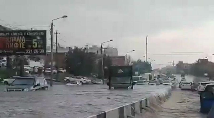 ©Скриншот видео очевидцев, instagram.com/rostov__on_don/