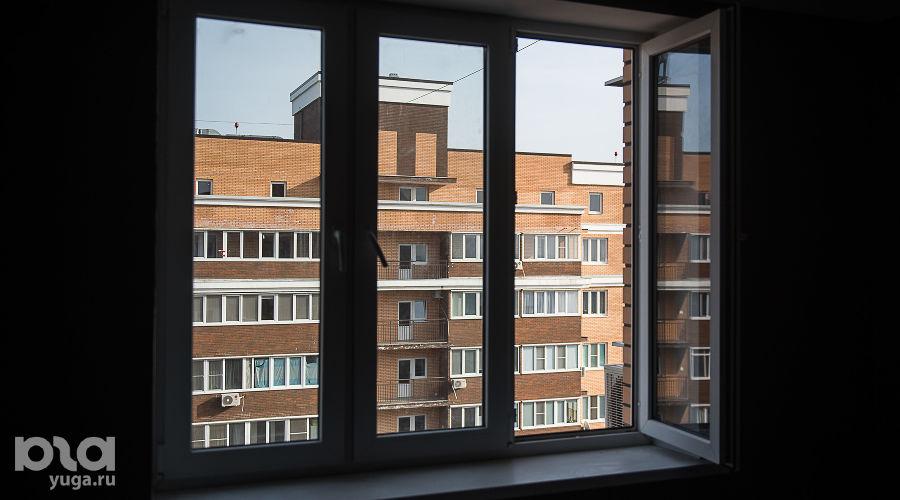 Окно ©Фото Елены Синеок, Юга.ру