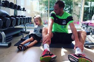Капитан ФК «Краснодар» Андреас Гранквист и его дочь Нова ©Фото из аккаунта instagram.com/sofiegranqvist