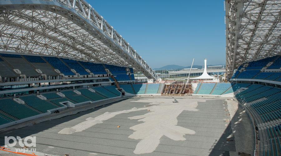 """Делегация FIFA проверила готовность сочинского стадиона """"Фишт"""" ©Нина Зотина, ЮГА.ру"""