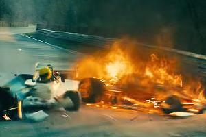Авария Ники Лауды ©Скриншот х/ф Rush