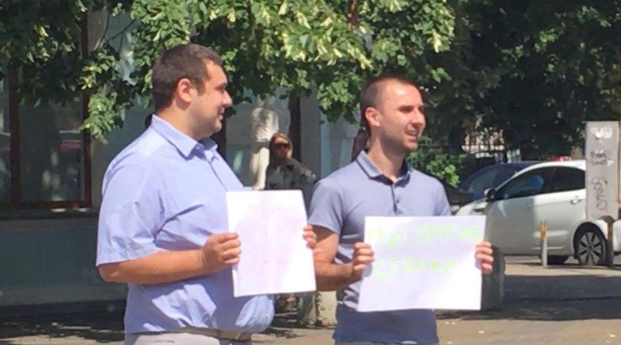Сергей Дубина (слева), Алексей Мелиоранский (справа) ©Фото со страницы Алексея Аванесяна в фейсбуке