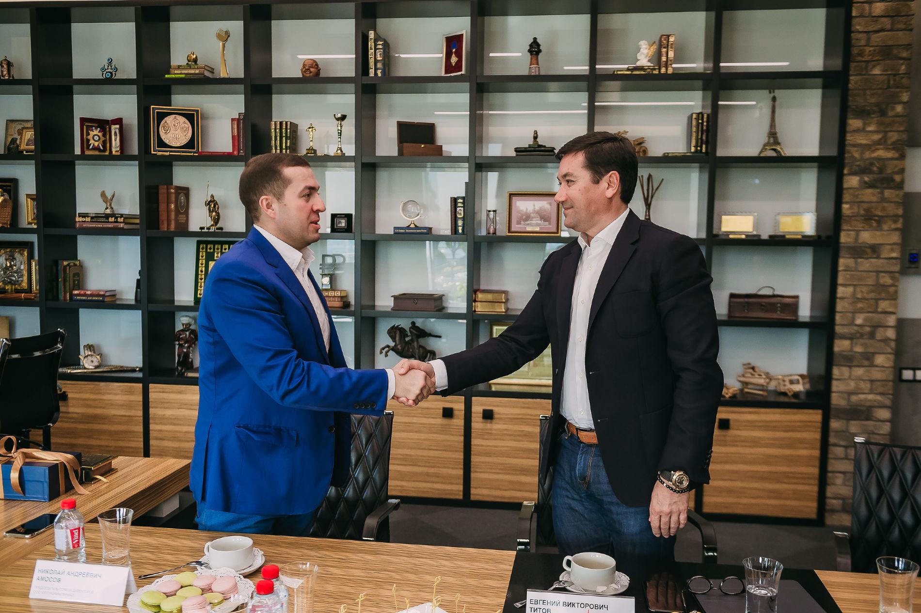 Николай Амосов (слева) и Евгений Титов ©Фото пресс-службы Сбербанка