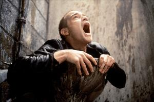 Кадр из фильма «На игле», реж. Дэнни Бойл, 1996 год ©Фото с сайта kinopoisk.ru