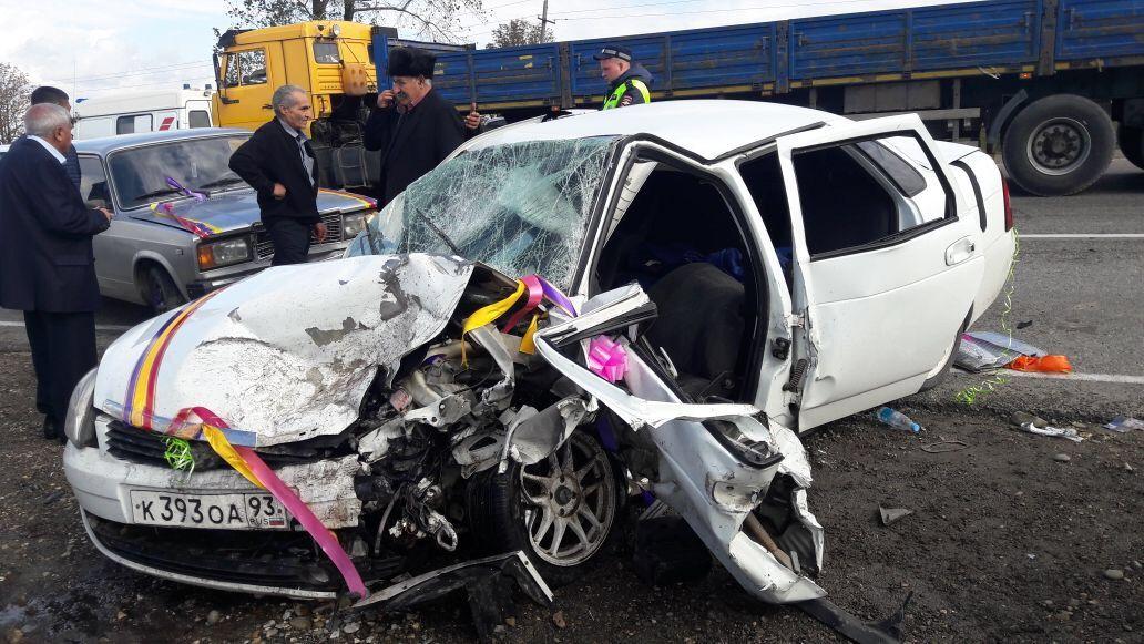 Свадьба завершилась смертельным ДТП вКрымском районе