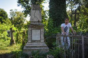 Экскурсия на Всесвятском кладбище ©Фото Елены Синеок, Юга.ру