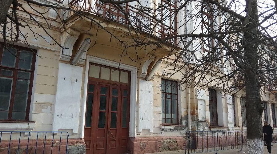 Дом офицеров в Майкопе ©Фото Юга.ру
