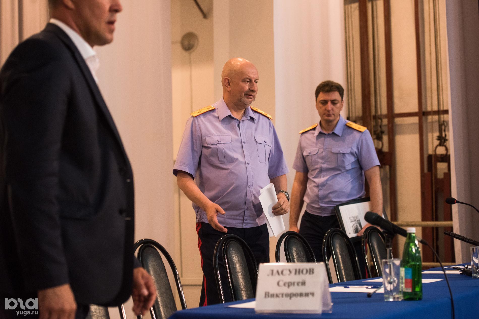 Жители Псебая на встрече с Игорем Комиссаровым ©Фото Елены Синеок, Юга.ру