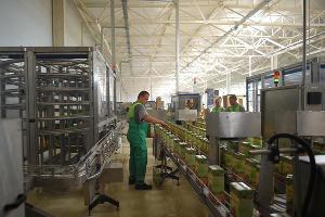 Производственная площадка предприятия по производству соков ООО «Экспресс-Кубань» в Адыгее ©Фото пресс-службы главы Республики Адыгея