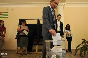 2011 год в фотографиях. Выборы президента Абхазии ©http://www.yuga.ru/photo/850.html