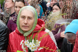Участница крестного хода во время празднования Вербного воскресенья. Краснодар, 9 апреля ©Фото Юга.ру