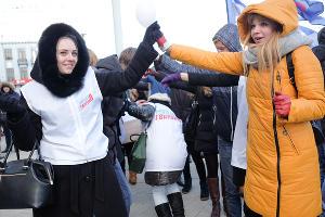 Акция «Молодой гвардии» в Краснодаре в честь добра и губернатора ©Фото Николая Хижняка, Юга.ру