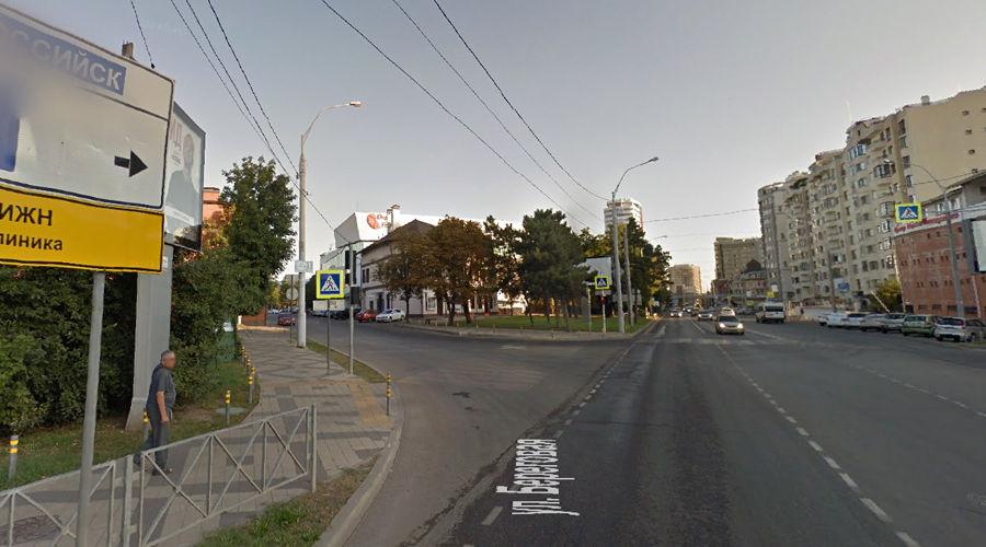 Движение будет перекрыто по левому ответвлению этого перекрестка ©Скриншот с сайта Google.com/maps