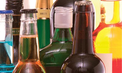 Разработчиков контрафактного алкоголя в Российской Федерации будут сажать на20 лет