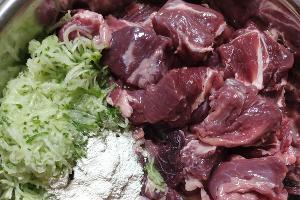 Питание для хищных животных ©Фото для Юга.ру
