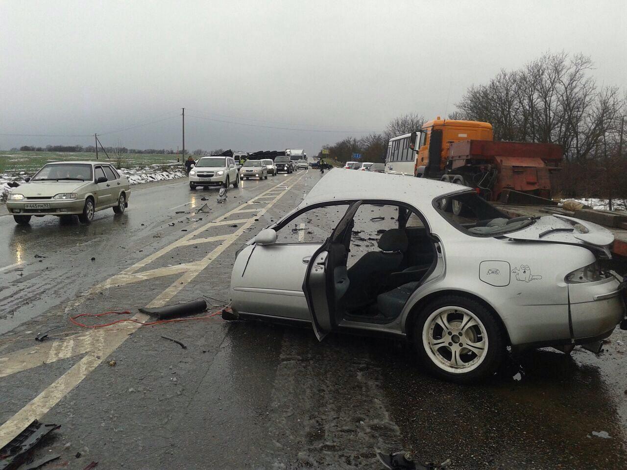 НаКубани вДТП попали 5 машин, пострадали 4 человека