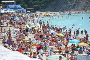 Профилактический рейд МЧС на пляже села Архипо-Осиповка  ©Фото Елены Синеок, Юга.ру