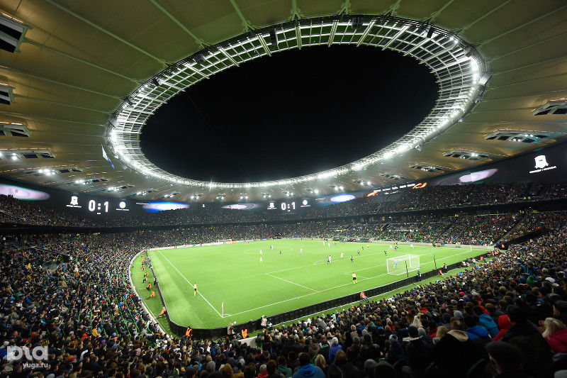 Стадион «Краснодар» ©Фото Елены Синеок, Юга.ру