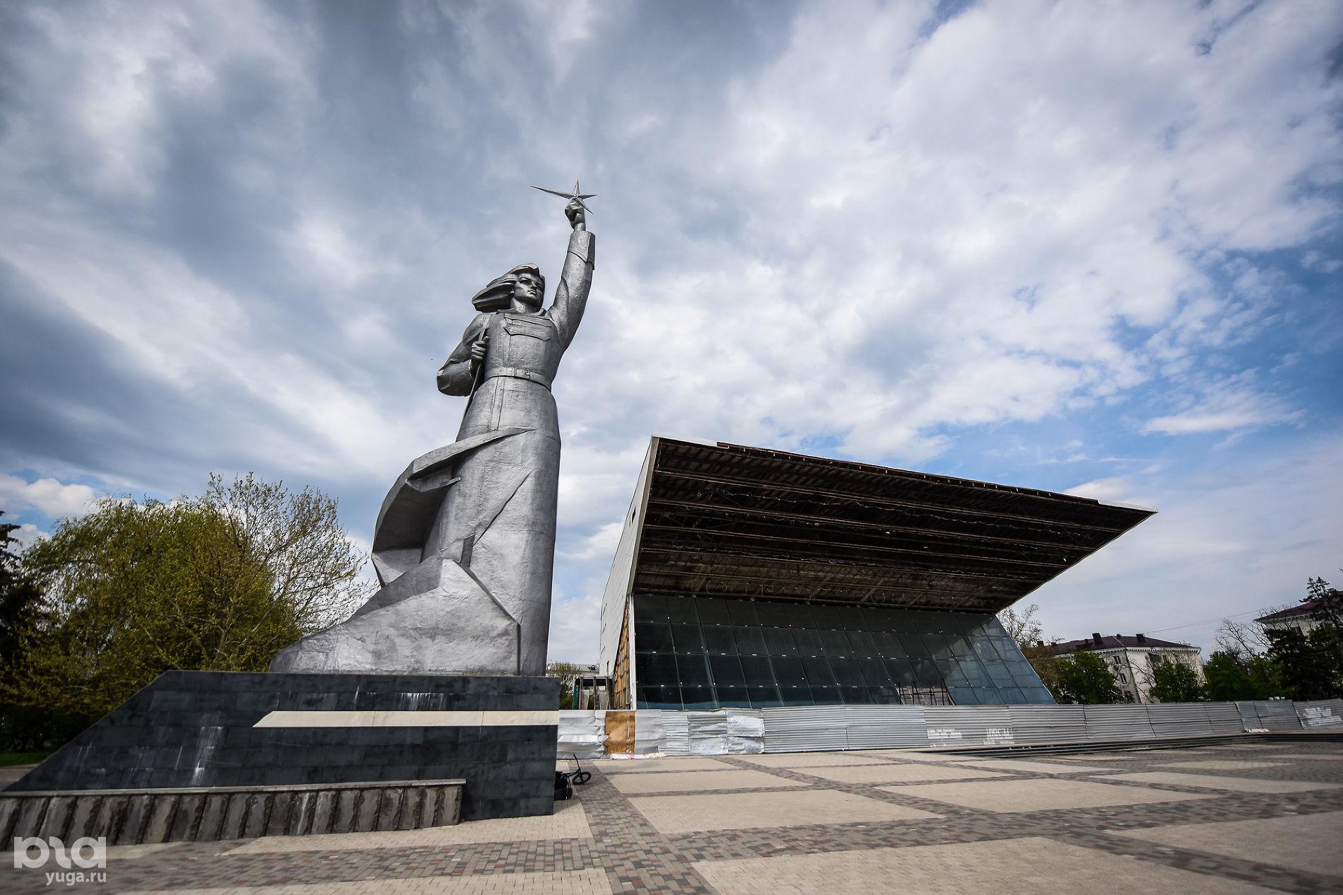 Кинотеатр «Аврора» ©Фото Елены Синеок, Юга.ру