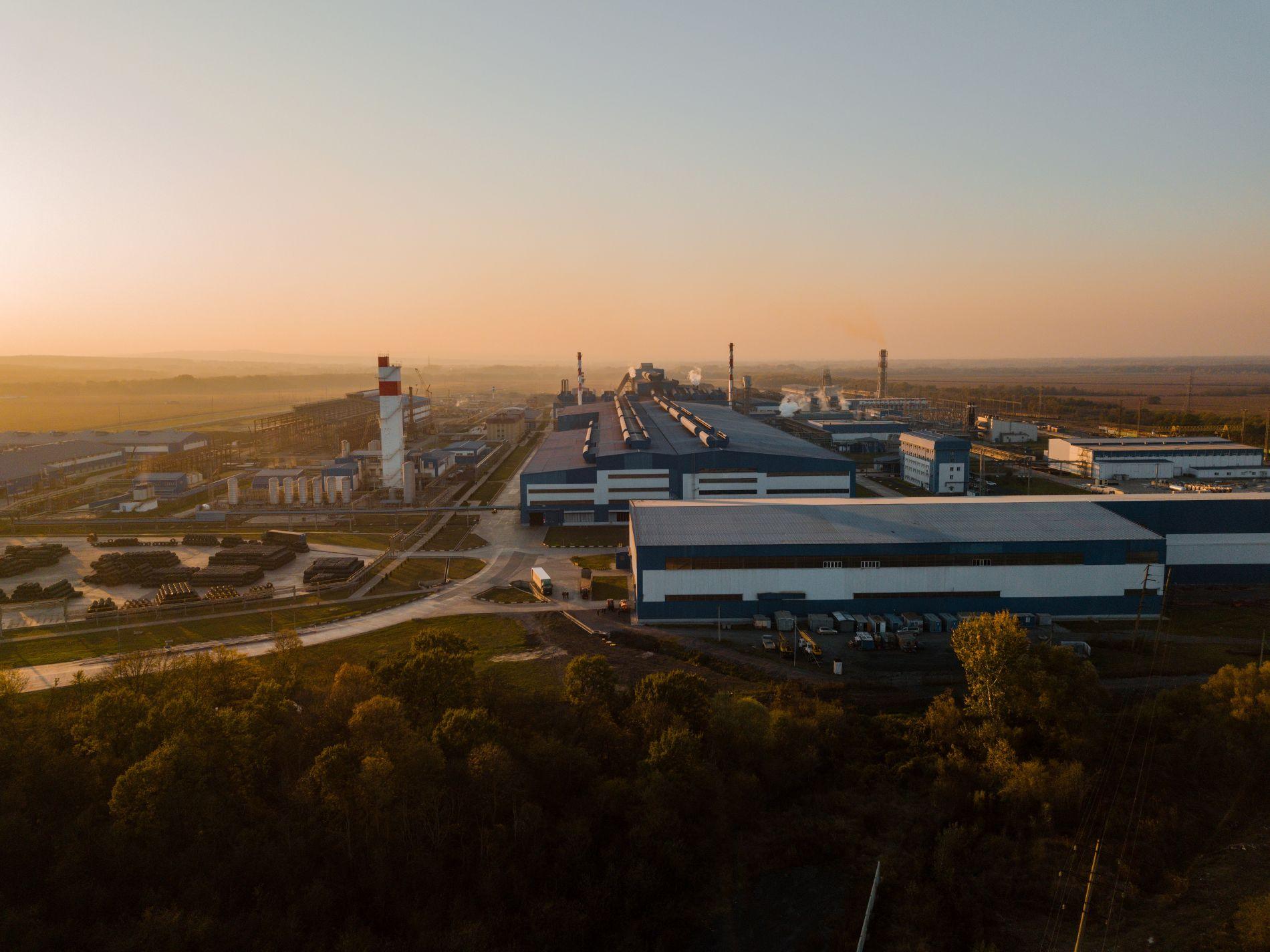 «Зеленый» барьер между городом и заводом ©Фото пресс-службы АЭМЗ
