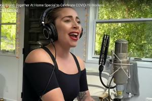 Леди Гага во время онлайн-концерта One World: Together At Home ©Скриншот видео One World: Together At Home Special to Celebrate COVID-19 Workers, hwww.youtube.com/watch?v=87-ZFjLfBAQ