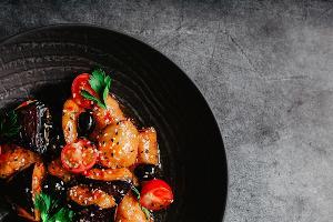 Баклажаны в сладкой глазури ©Фотография предоставлена пресс-службой ресторана «Розмарин»