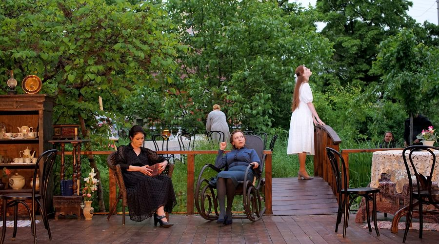 Кадр из спектакля «Три сестры» ©Фотография предоставлена пресс-службой Краснодарского театра драмы
