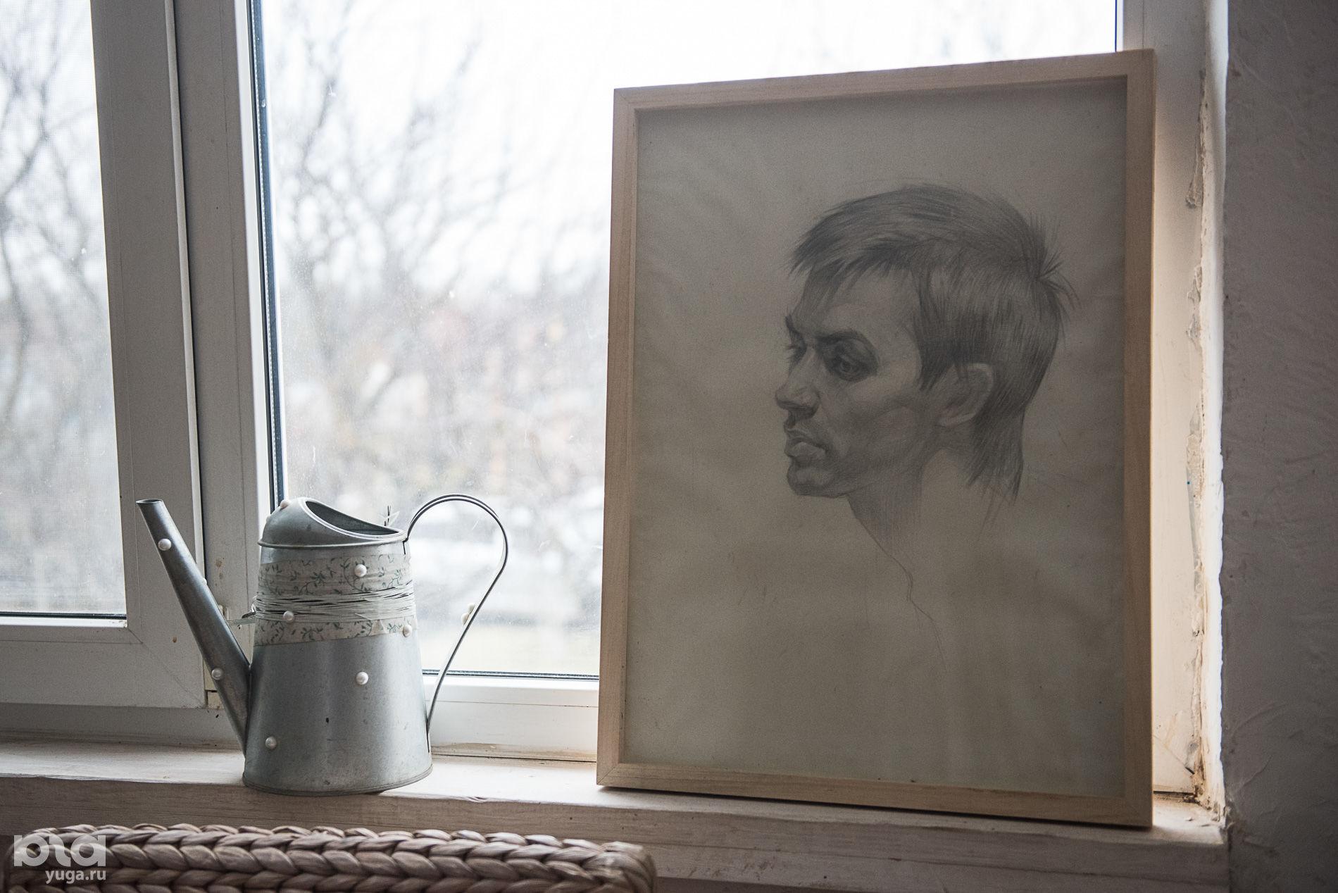 Портрет Валерия авторства Инны Цукахиной, 1987 год. Написан вскоре после поступления в Академию художеств в Киеве.  ©Фото Елены Синеок, Юга.ру