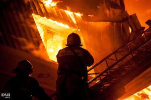 Пожар в многоэтажном доме в п.Яблоновский ©Фото Николая Ильина, Юга.ру