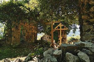 Древний храм в поселке Ахштырь ©Фото Алексея Кузнецова, instagram.com/alekseykuznetsov_sochi