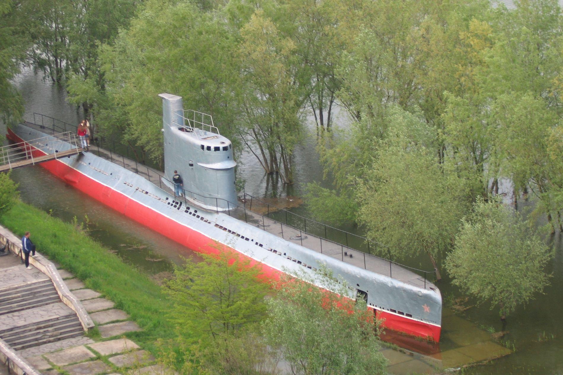 Подводная лодка М-261 на Затоне, 2005 год ©Фото с сайта forums.airbase.ru