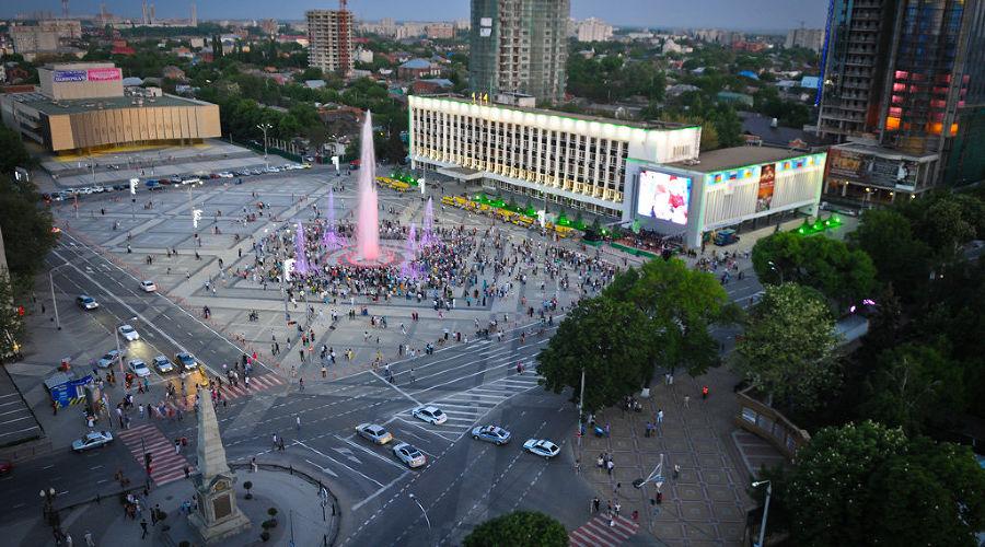 Главная городская площадь (до апреля 2019 года — Театральная), Краснодар ©Фото Елены Синеок, Юга.ру