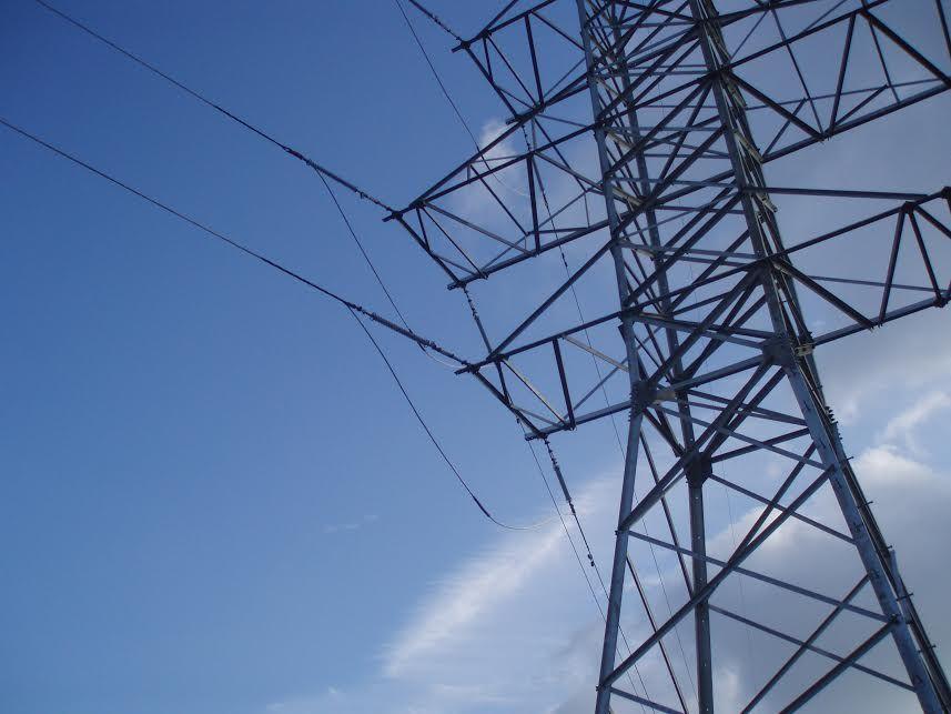 Непогода оставила без электричества 49 поселков Крыма