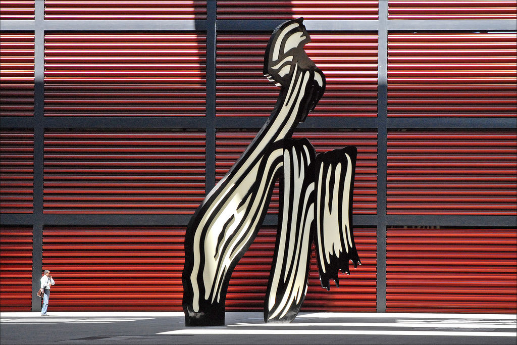 Скульптура Роя Лихтенштейна в Мадриде