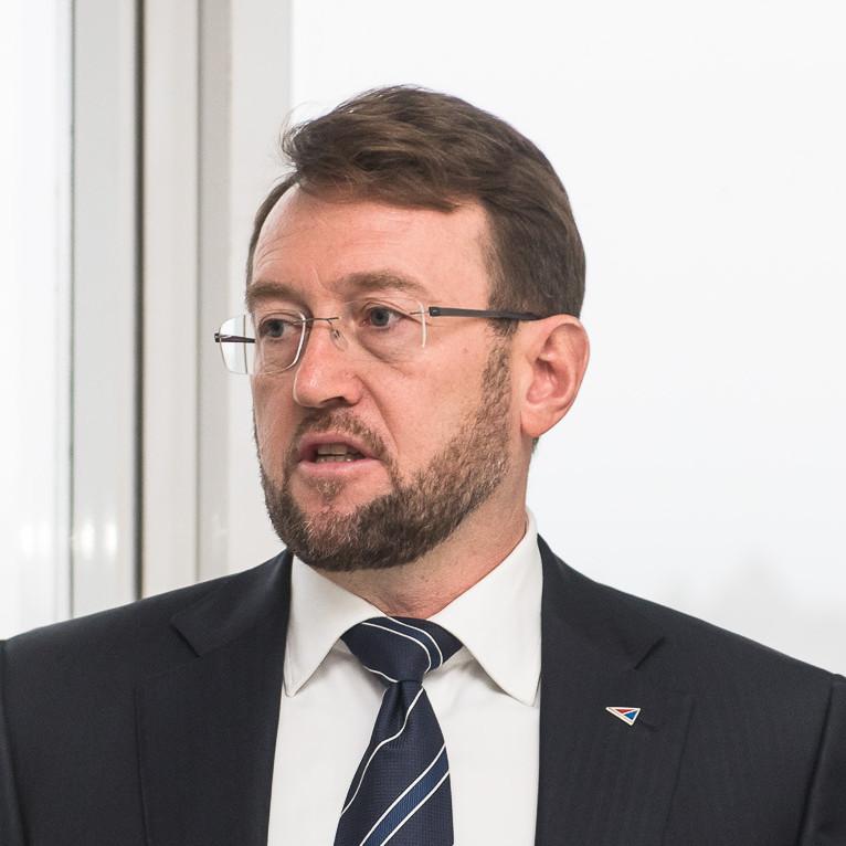 Владислав Есин