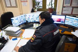 Транспортная полиция на железнодорожном вокзале Краснодара ©Фото Елены Синеок, Юга.ру