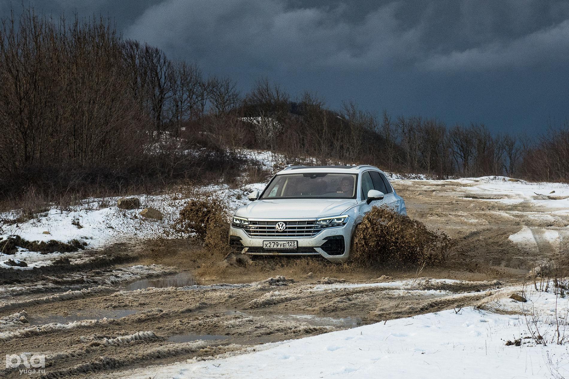 Новый Volkswagen Touareg ©Фото Елены Синеок, Юга.ру