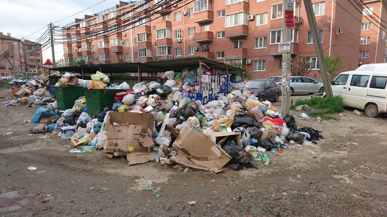 Бывшая мусорка возле дома по Есенина, 115